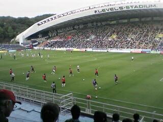 福岡・レベルファイブスタジアムにて2