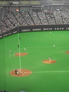 札幌ドームにて