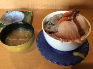 日本海たっぷり丼の写真